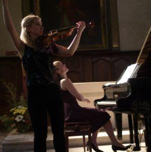 Vera Lopatina au violon et Olga Kirpicheva au piano ont mis à leur programme Claude Debussy, Lucien Durosoir et Richard Strauss.