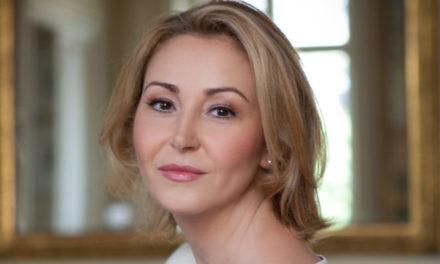 Eté vauclusien pour le mezzo Karine Deshayes