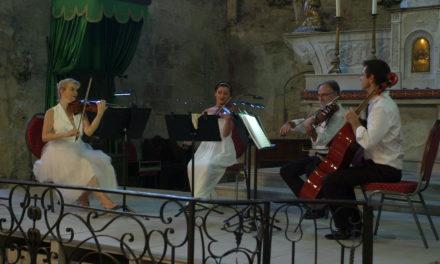 Vaison-la-Romaine : Les concert des Amis de l'église de la cité médiévale