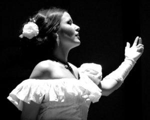 Le Soprano Erminie Blondel en concert aux 10e Saisons de la voix à Gordes le 18 juillet 2018.