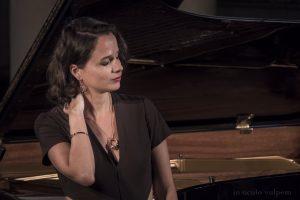 Albane Carrère, mezzo chantera dans Les Noces de Figaro à Avignon