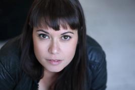 """Auray : le soprano Julie Mathavet dans la création  """"Petit, Moyen, Grand"""""""