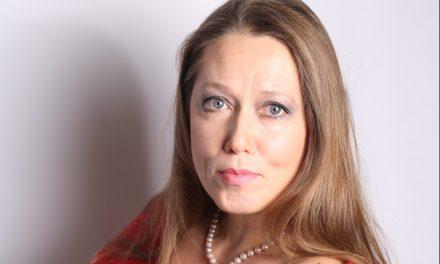 Paris : Katia Analspolskaya dirige le choeur Znamenie