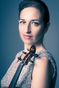 La violoniste Liza Kerob de l'Orchestre philharmonique de Monte-Carlo et du trio Golberg.