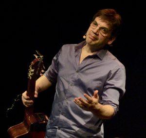 Jean-Félix Lalanne a lancé son spectacle Brassens au festival éponyme de Vaison-la-Romaine