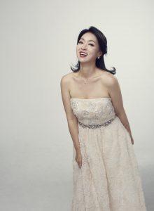La soprano coréenne Yun Jung Choi chantera la Grande Messe en ut de Mozart à l'Arsenal de Metz le samedi 7 décembre, avant de participer au festival du solstice à Busca en Italie, le 14 décembre.