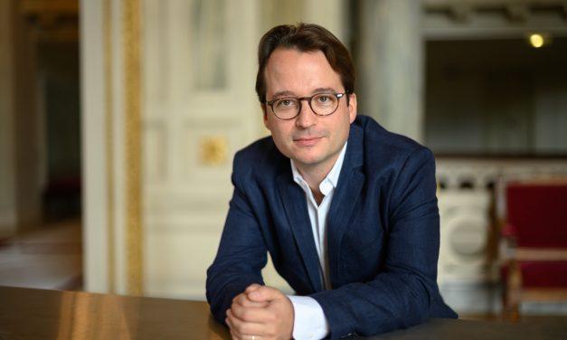 Saint-Léger-du-Ventoux : Rencontre avec Quentin Hindley, chef d'orchestre
