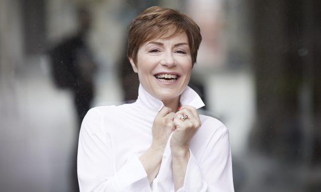 Toulon: Rencontre avec Jasmine Roy, chanteuse