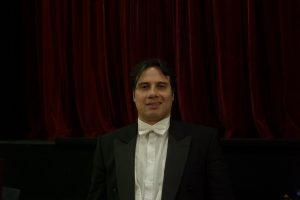 Le chef brésilien a dirigé Cavalleria Rusticana et Pagliacci en mars 2020 à Avignon