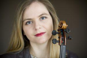 La violoniste Solenne Padaïssi a collaboré avec l'écrivain Alexis Ragougneau pour son livre Opus 77.
