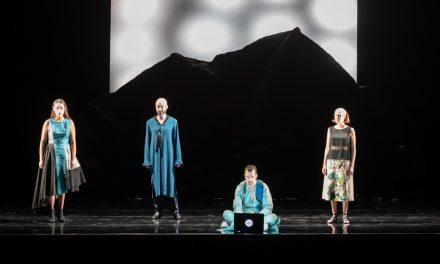 Avignon : Le Messie du peuple chauve diffusé en direct