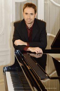 Le pianiste Diego Aubia