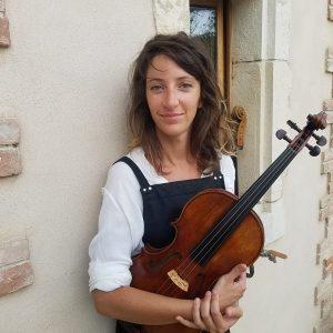 Lucie Girard s'est formée en Angleterre et elle s'est installée à Félines-sur-Rimandoule