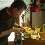 Caromb : Rencontre avec Bruno Reinhard, facteur de flûte à bec