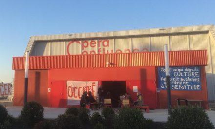 Avignon : L'Opéra Confluence occupé