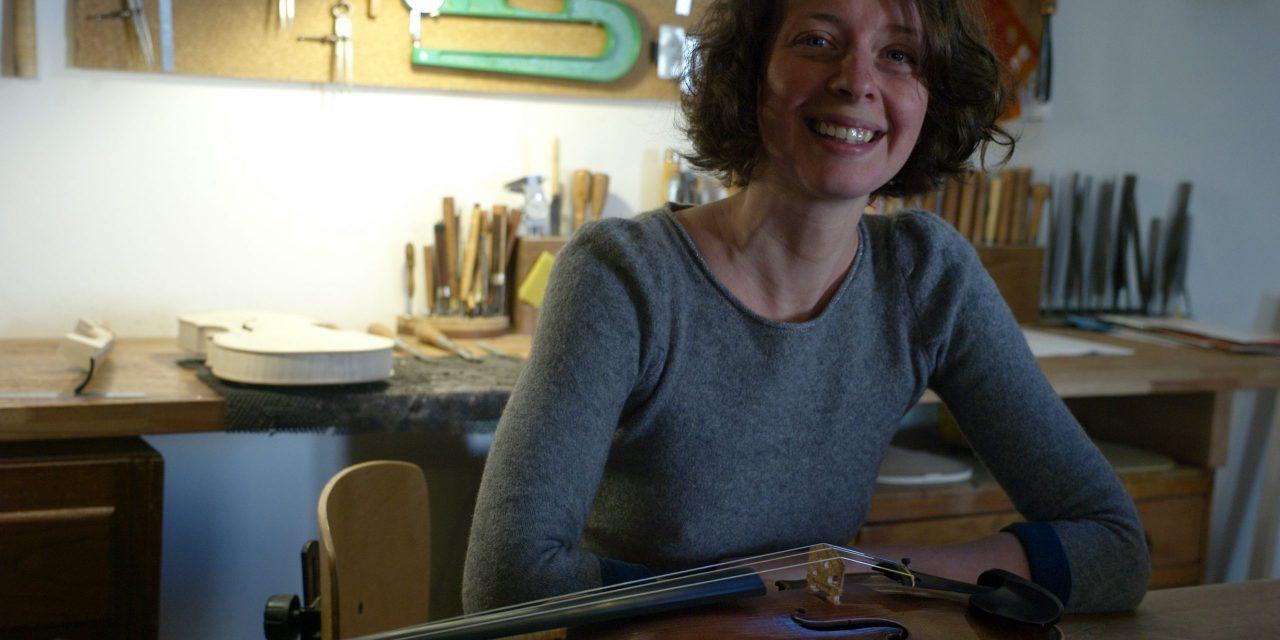 Caromb: Rencontre avec Emmanuelle Dion, agent d'artisans luthiers