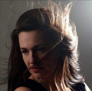 La soprano toulousaine Aurore Massat s'est formée en aromathérapie