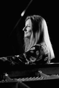La pianiste Jasmina Kulaglich. Photo crédit J Hank production.