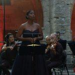 Villeneuve-lez-Avignon: Leïla Brédent enchante la collégiale