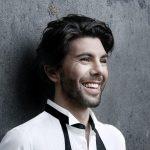 Gordes: Rencontre avec Théophile Alexandre, chanteur et danseur